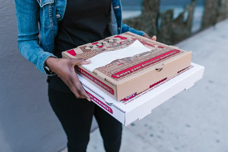 Selling pizza food through online ordering system online